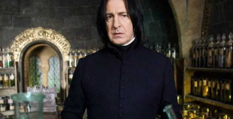 you-will-be-one-of-severus-snape's-favorites-if-you-get-10/10-in-this-harry-potter-quiz-on-potions-class