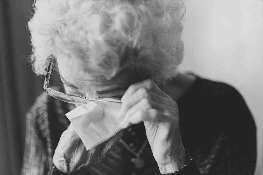 Why do Russian grandmas wear headscarves?