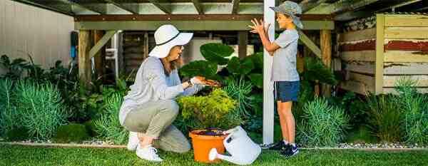 How do you manage an edible garden?