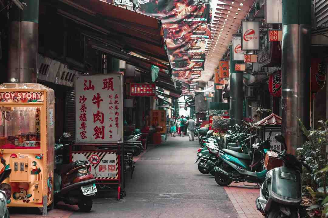 How much is $100 US in Taiwan?